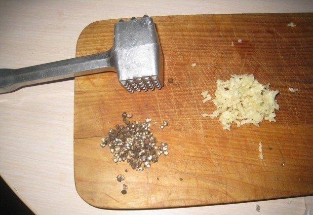 Давний семейный рецепт засолки вкуснейшего сала. Очень нежное и вкусное!