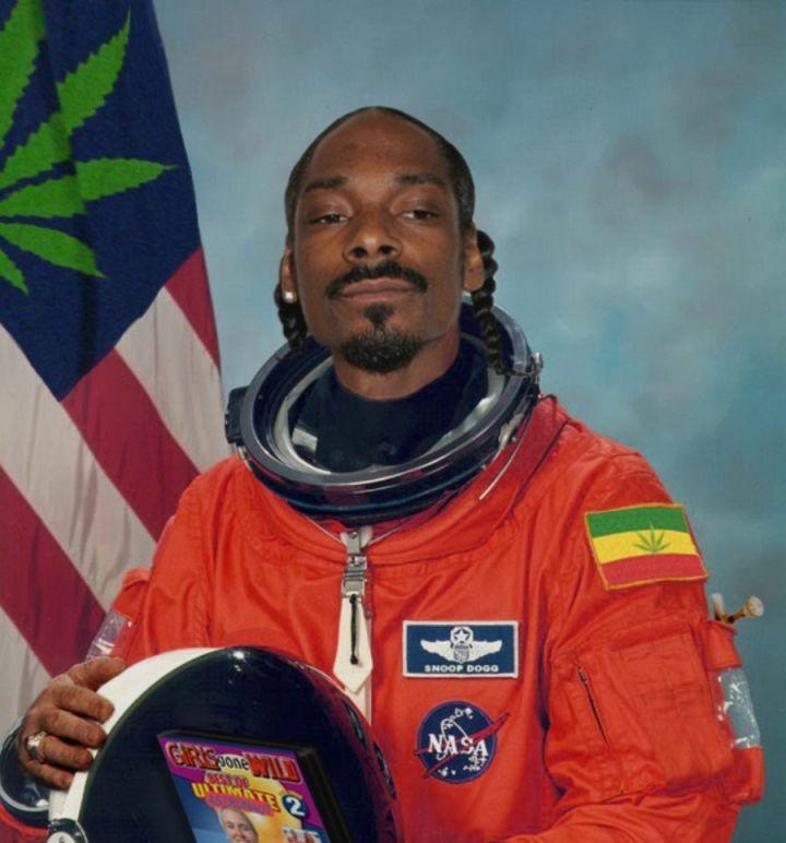 НАСА ищет добровольцев курить марихуану 70 дней: платят $18 000