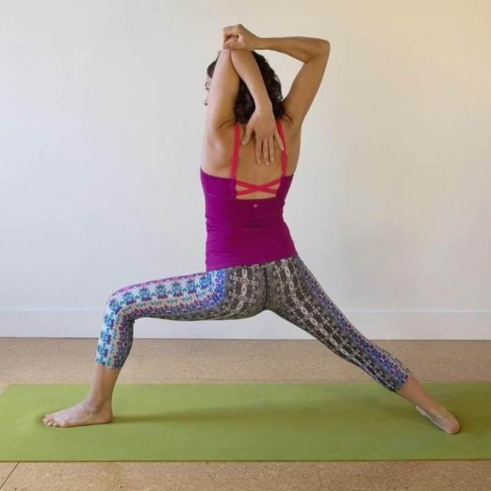5 самых простых поз йоги, которые отлично расслабят плечи после тяжелого дня