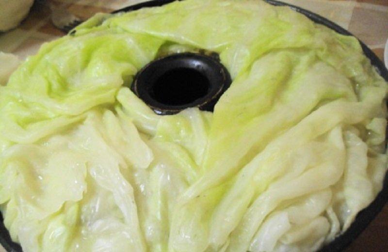 Огромный ленивый голубец из молодой капусты: шикарное блюдо, достойное внимания!