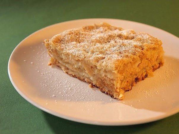 Самый вкусный яблочный пирог из тех, что я пекла! Нежнее и быстрее вы не пробовали!