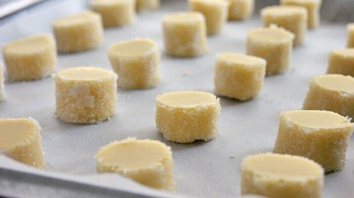 Попробовала приготовить бриллиантовое печенье от знаменитого Пьера Эрме - это просто чудо!