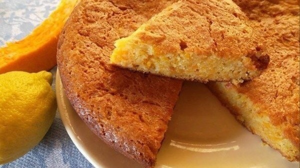 Нежный ароматный пирог из тыквы с корицей. Наслаждайтесь этим чудом пока сезон!