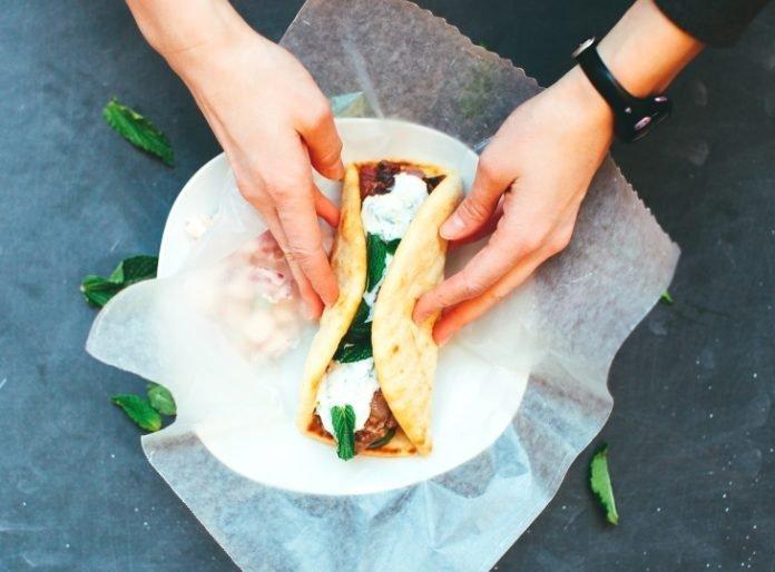Вы когда-либо готовили блюда, используя алюминиевую фольгу? Вам нужно прочитать эту статью!