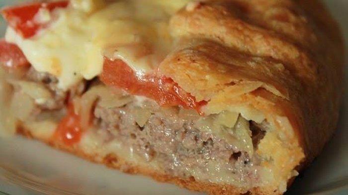 Открытый мясной пирог на картофельном тесте: вкусно, быстро и просто!