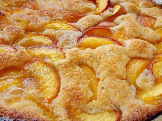 Персиковый коблер - нежнейший пирог, который тает во рту. Когда хочется чего-то особенного...