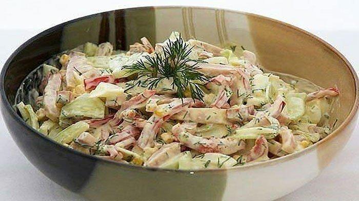 Эти 9 вкуснейших салатов уже много лет радуют мою семью. Такая вкуснятина не надоест никогда!