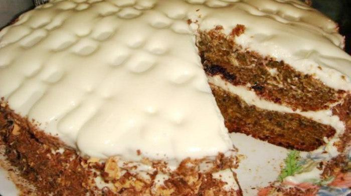 Самый быстрый и вкусный торт с вареньем и сливочным кремом