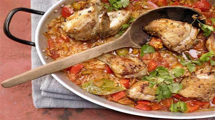 Тушеная курица с овощами и рисом по-испански. Рестораны отдыхают!