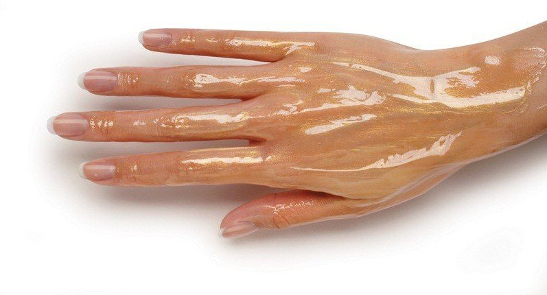 Мои руки были очень морщинистые, пока я не узнала об этих средствах! Теперь моей кожей восхищаются даже молоденькие...