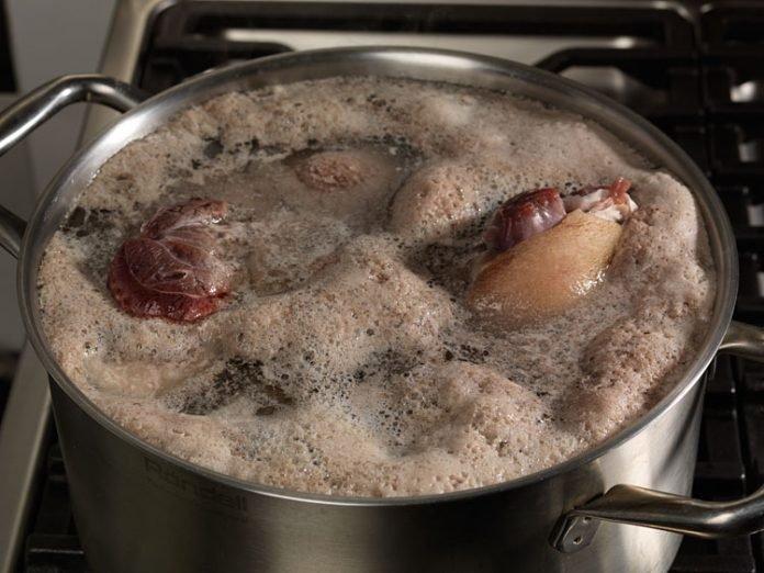 Будьте бдительны! Если при варке супа, образуется большое количество пены…