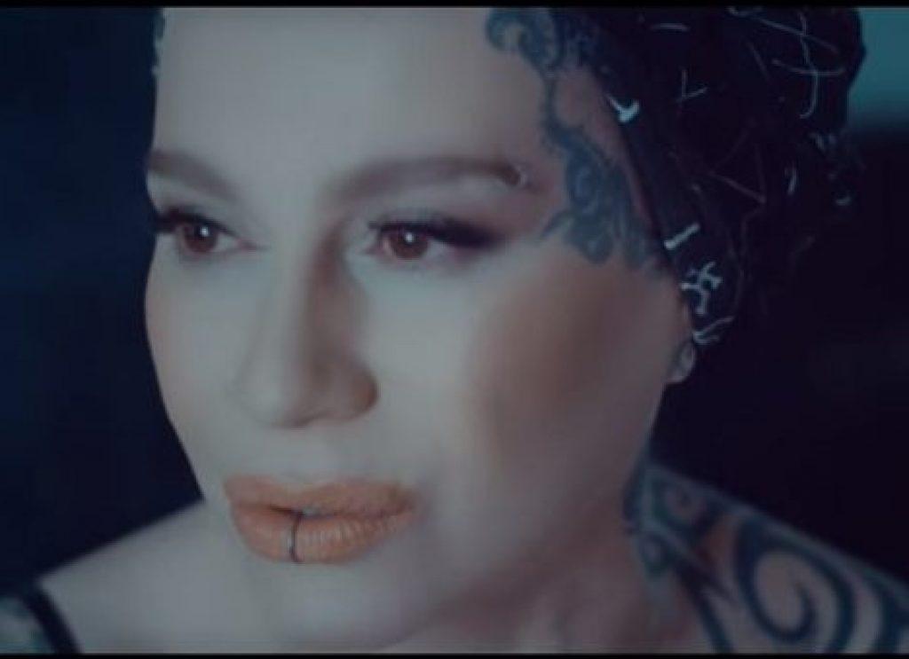 Эксцентричная Наргиз и её новый хит «Я не верю тебе». В самое сердце!