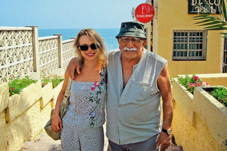 Артисту негде ночевать: друг Джигарханяна рассказал правду об его отношениях с женой