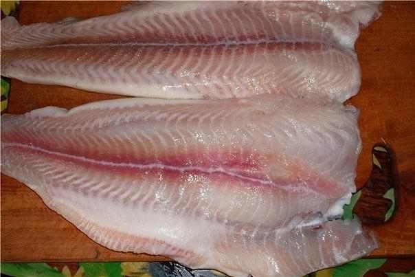 Эту рыбку можно есть как горячей так и холодной ,нам больше нравится холодная