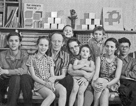 Методика Никитиных в действии: чего добились дети из знаменитой семьи