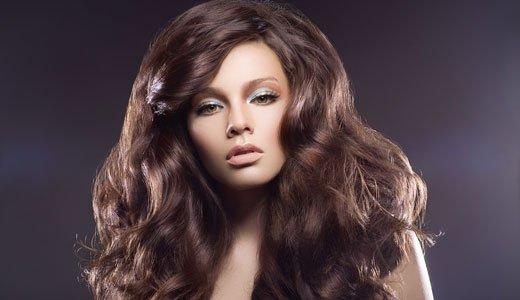 Как придать объём длинным волосам