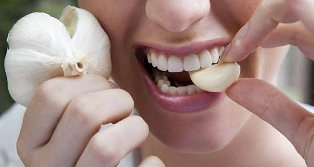 Положите чеснок в рот и держите в течение 30 минут. Результаты невероятны!
