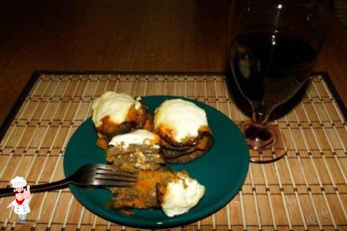 Попробуйте приготовить оладьи из печени свиной — таким блюдом даже не стыдно угостить друзей.