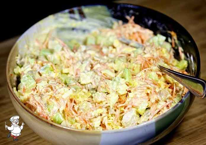 Этот салат с корейской морковью прижился в нашей семье. Просто, вкусно и сытно, попробуйте…