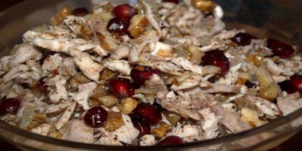 Салат «Шамаханская царица» — вкусный салат, в котором нет ничего лишнего! Вкусный салат, в котором нет ничего лишнего!