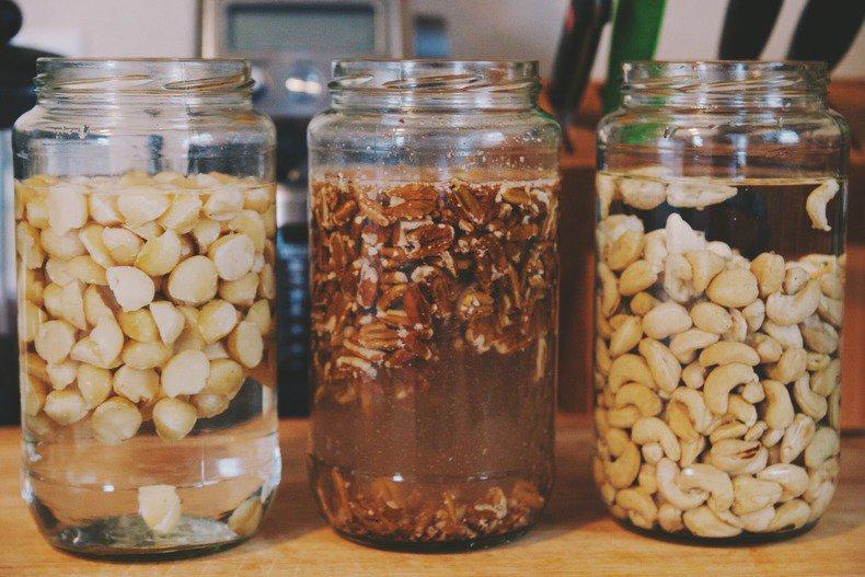 Вот почему нужно замачивать орехи перед тем как их съесть! Об этом я даже не догадывался…