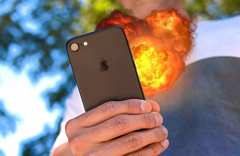 IPHONE 7 взорвался прямо перед лицом и чуть НЕ УБИЛ своего хозяина