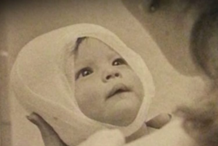 Когда был сделан этот снимок, никто и не подозревал, КАК он перевернет жизнь малышки