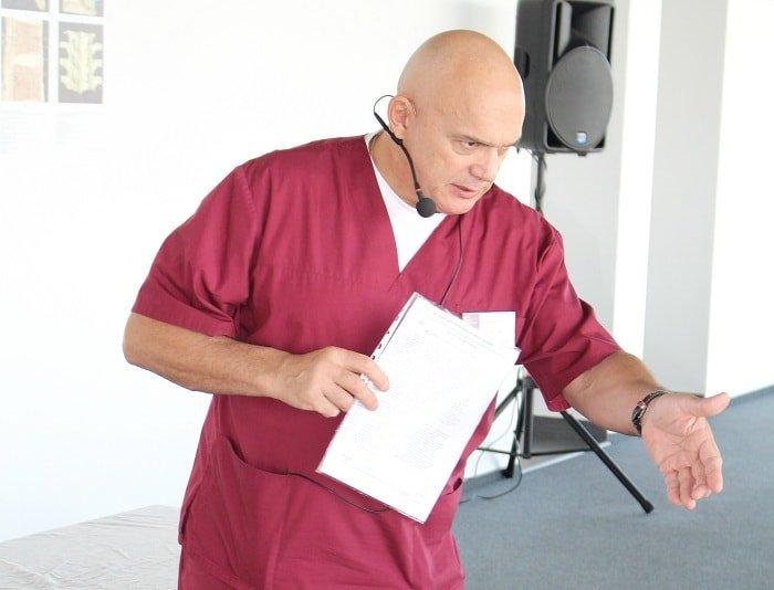 «Болит позвоночник? Откажитесь от компрессов и займитесь гимнастикой» - доктор Бубновский