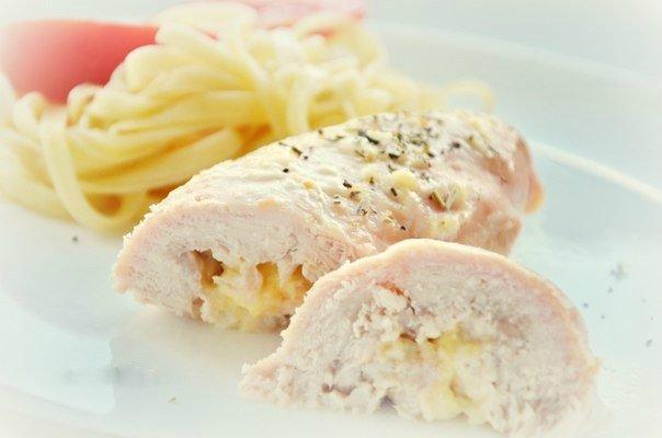 Куриные рулеты с творогом для вкусного низкокалорийного обеда