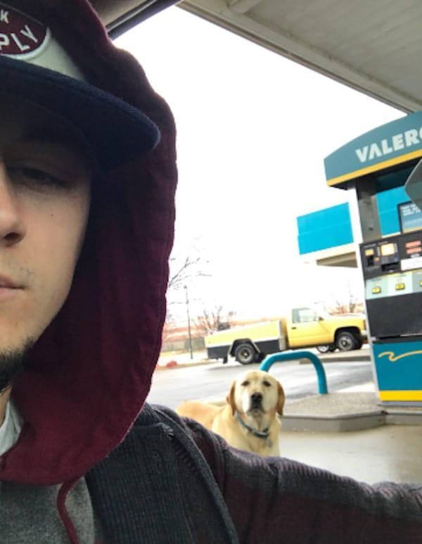 Парень хотел помочь бродячей собаке. Но странный медальон на её шее круто развернул все события!