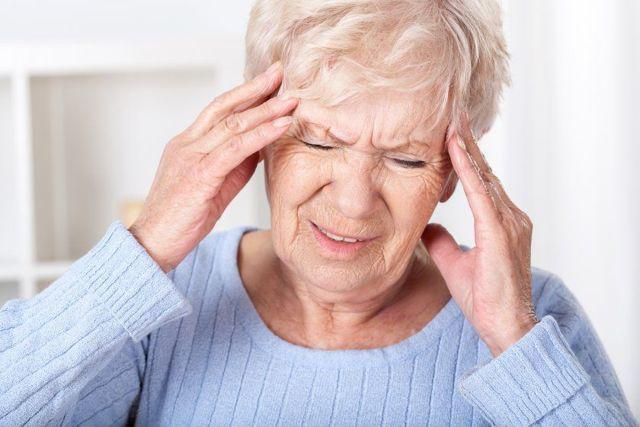 От сужения сосудов головного мозга! Выпей 25 капель натурального домашнего средства