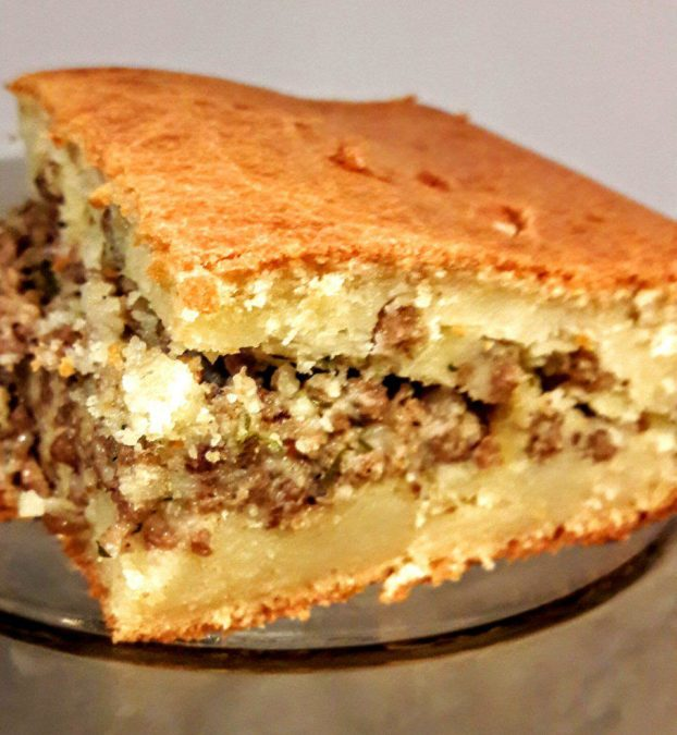 Продукты для этого пирога найдутся в каждом доме! А готовить проще простого!
