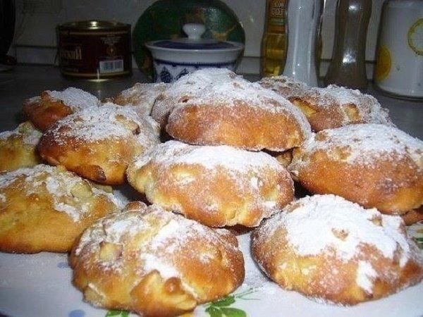 Яблочные булочки быстрого приготовления к утреннему чаю