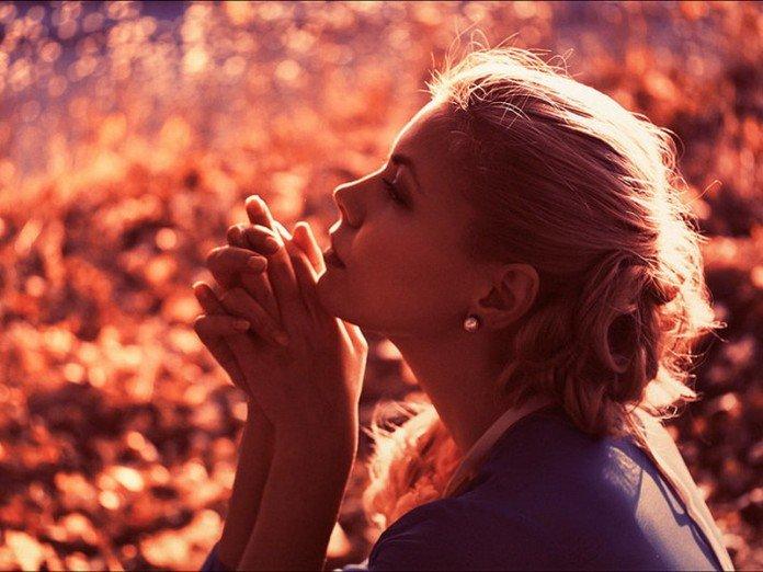 Расстроенная богатая женщина пришла к психологу в поисках счастья. Его решение гениально!