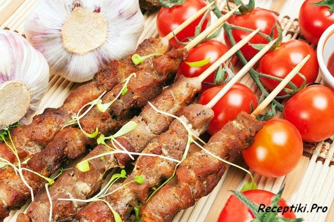 Как правильно замариновать шашлык из свинины - топ-5 маринадов для ценителей идеального мяса на мангале