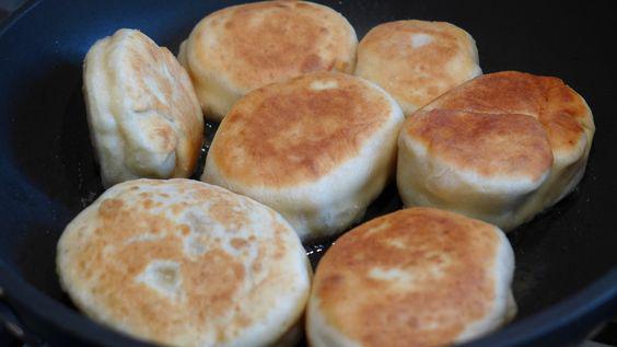 Пирожки из творожного теста с любой начинкой. Всегда получаются пышными и вкусными!