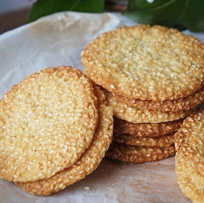 Хрустящее и ароматное кунжутное печенье. Очень полезно и вкусно!