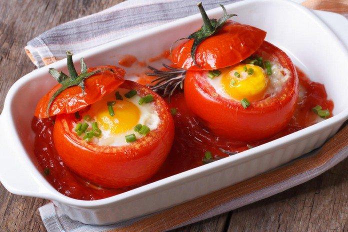 Яичница в помидорах. Рецепт простейшего и вкуснейшего завтрака