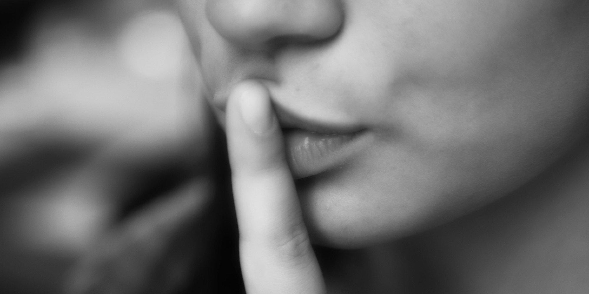 О чём лучше промолчать, даже когда тебя спросят: 7 золотых правил