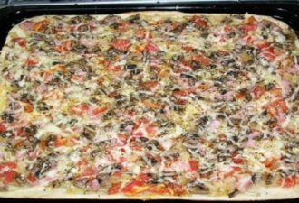 Готовим пышную пиццу за 30 минут. Самое вкусное тесто, которое я пробовала!