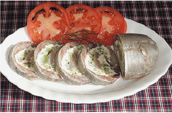 Рулетик из сельди: готовится легко и быстро, а получается необыкновенно вкусно и оригинально.