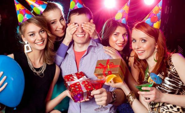 Что никогда нельзя делать в день рождения и почему это так важно