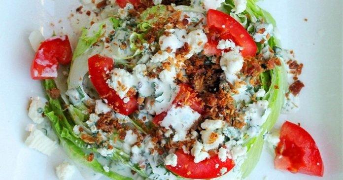 Интересный освежающий салат «Айсберг под соусом». Вкус на твёрдую пятёрочку!