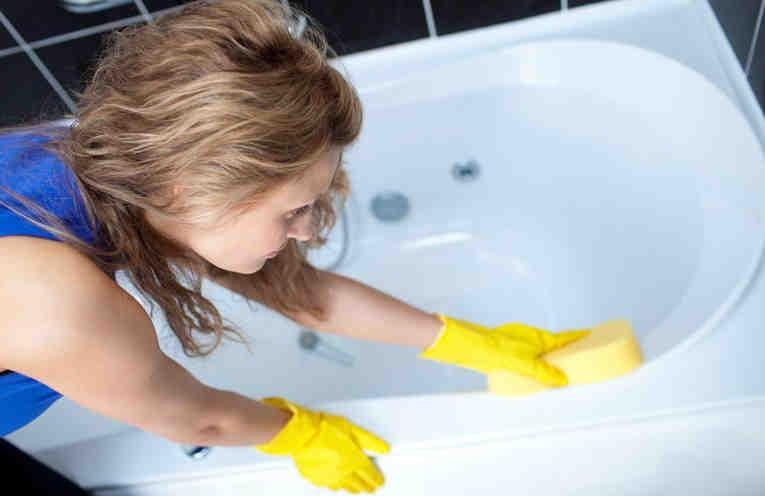 Очистим даже самую «убитую» ванну. Супер очиститель на раз-два!
