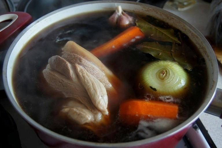 Готовим самую сочную и вкусную свиную рульку. Главное - правильный маринад!