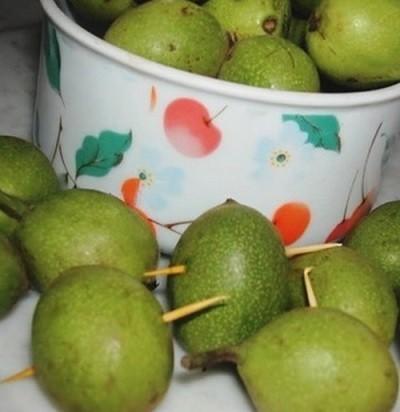Зелёный грецкий орех от 1000 болезней. Как его правильно заготовить