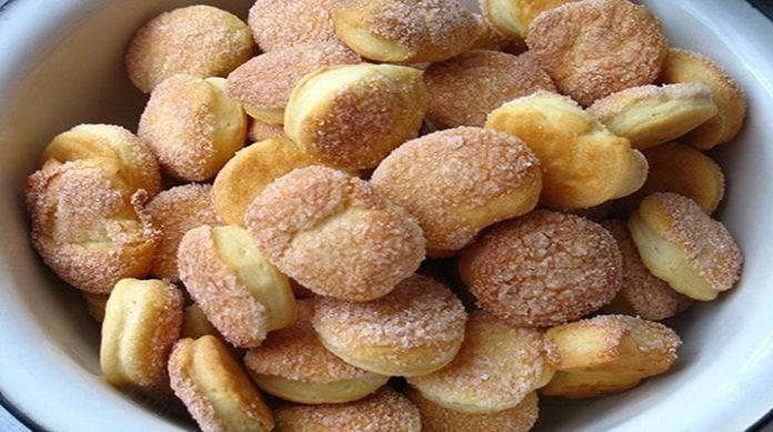 Самое быстрое печенье на сметане! Минимум ингредиентов, а вкус изумительный...