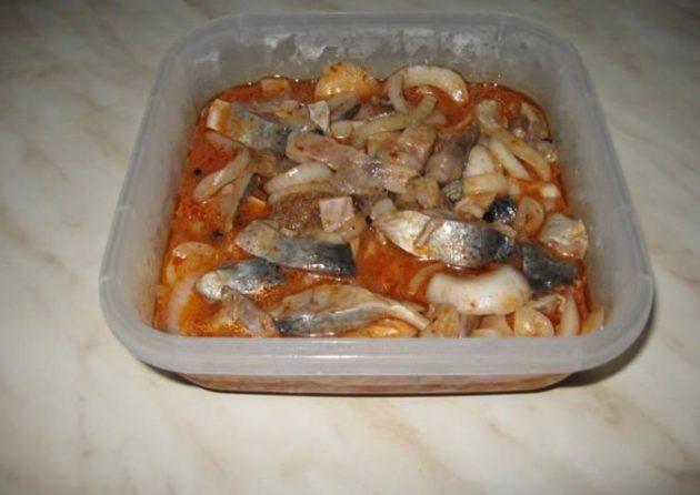 Обязательно попробуйте приготовить эту селёдочку по-корейски - будет вкусно!
