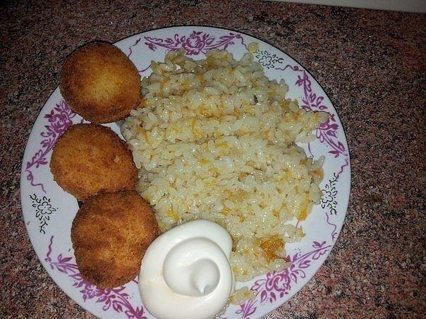 Мой любимый быстрый гарнир — рассыпчатый рис в сковороде за пол часа