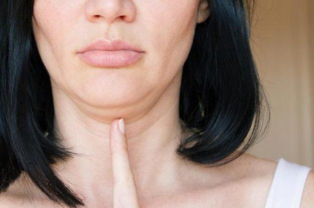 Убрать двойной подбородок и жир на шее значительно проще, чем вы думаете! Смотрите и учитесь!